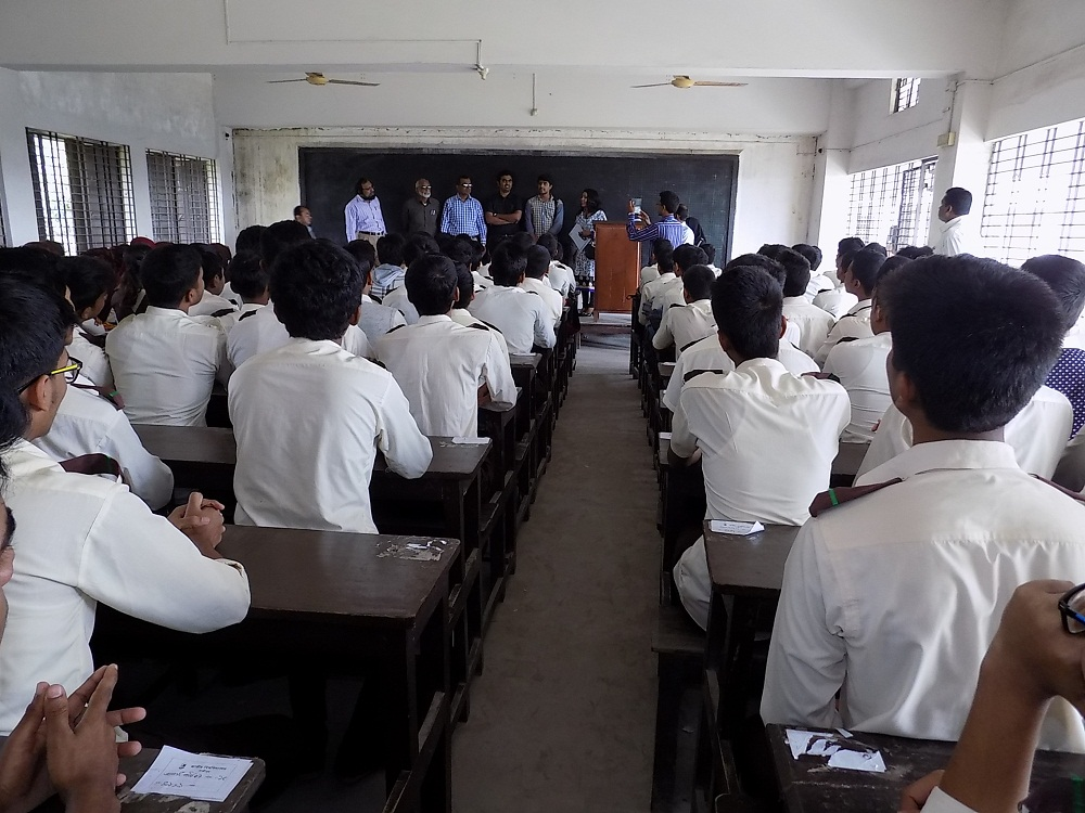 SRM University delegation visits school in Jessore